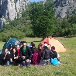 "Kampın son günü kamp ekibimiz toplu olarak kahvaltıda • <a style=""font-size:0.8em;"" href=""http://www.flickr.com/photos/145495013@N05/30722627103/"" target=""_blank"">View on Flickr</a>"